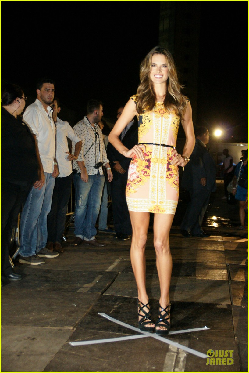 alessandra ambrosio colcci spring fall 2013 collection model 072748712