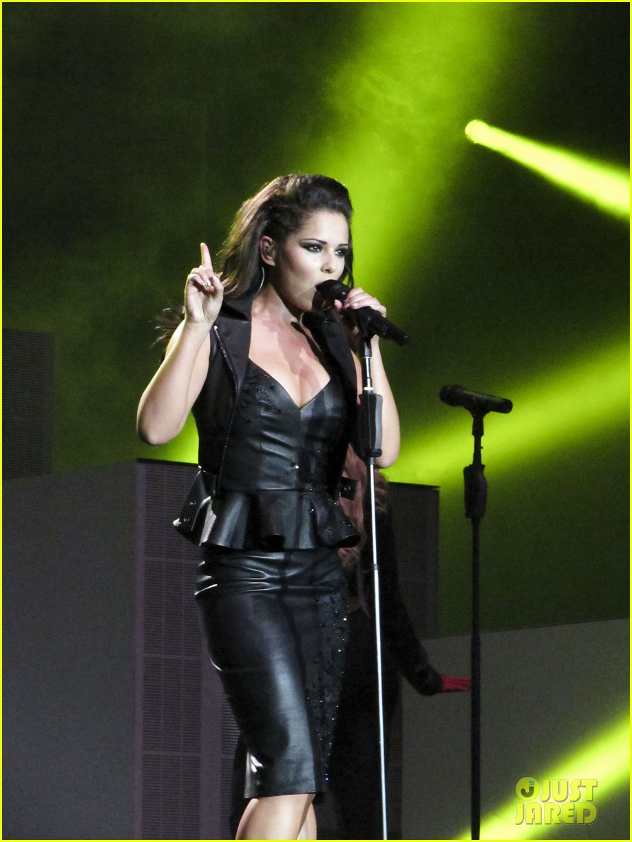 cheryl cole a million lights arena tour opening night 03