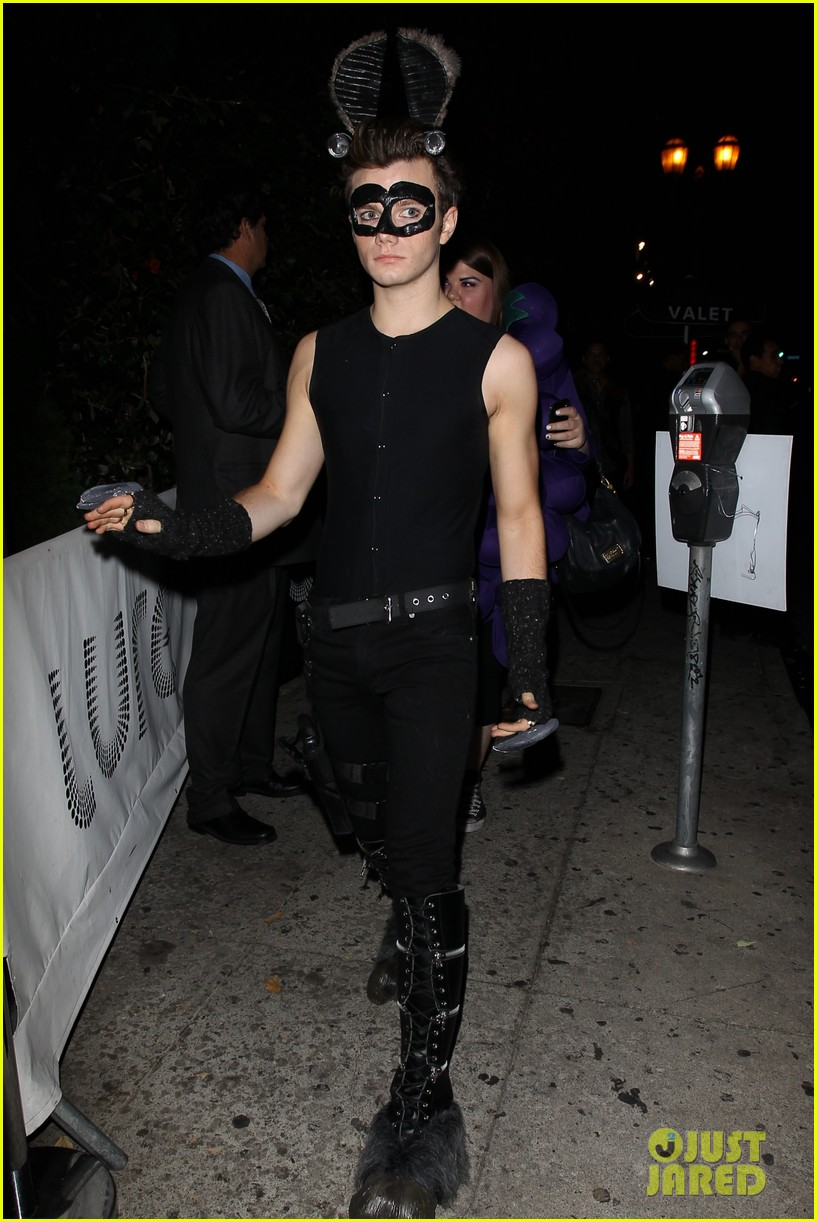 chris colfer darren criss matthew morrison halloween party 092747787