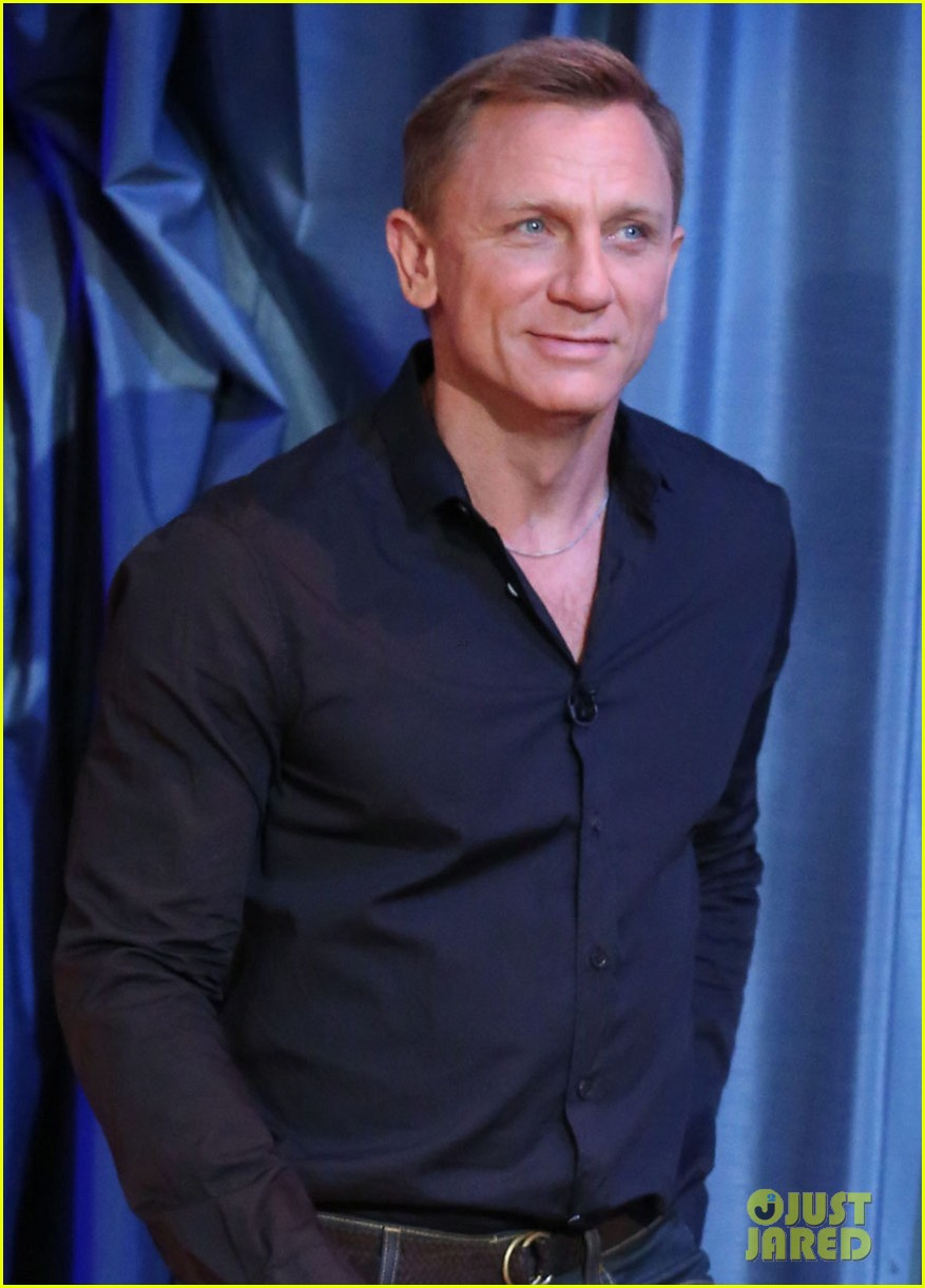 daniel craig late night with jimmy fallon visit 042733261