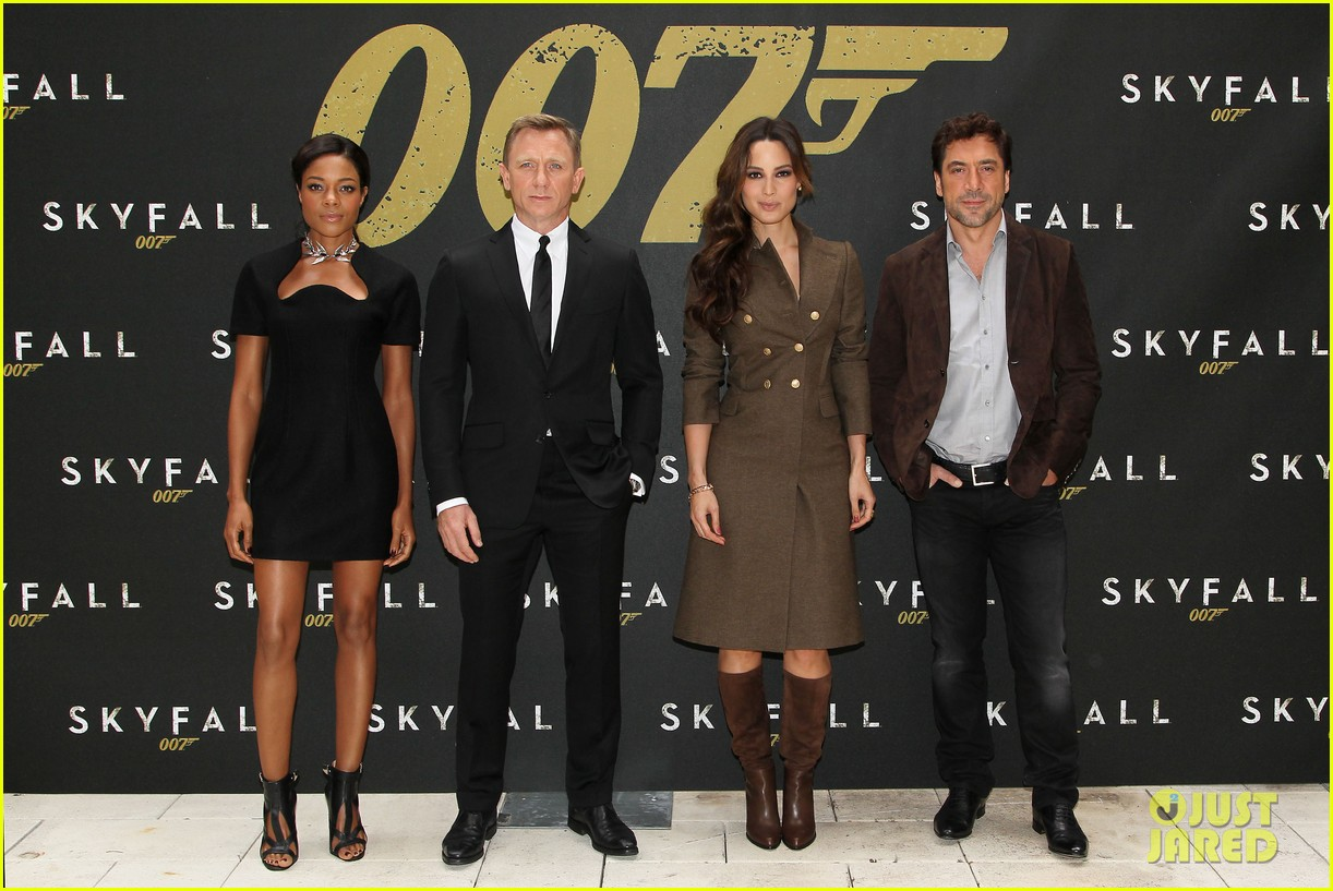 daniel craig skyfall photo call 012738551