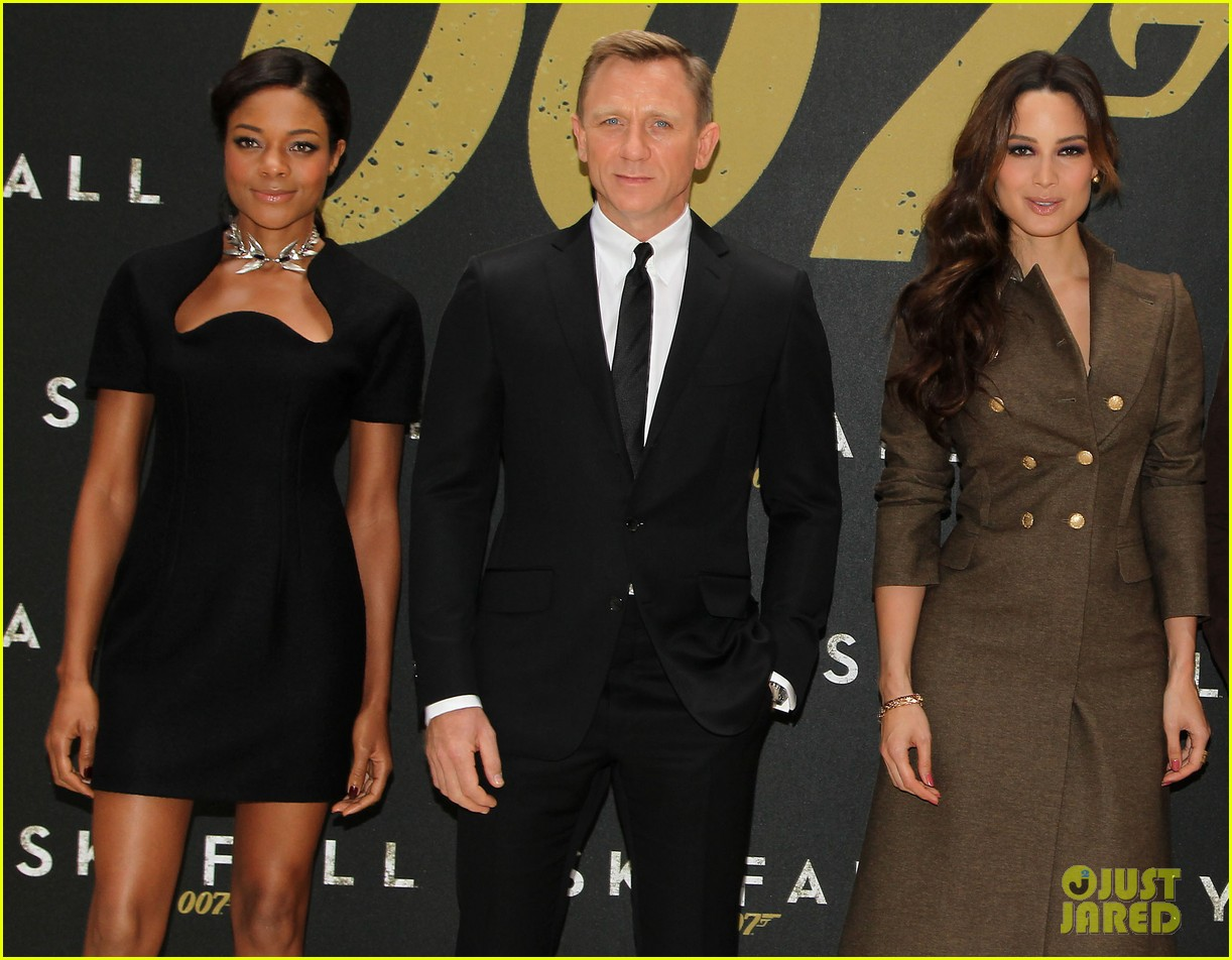 daniel craig skyfall photo call 022738552