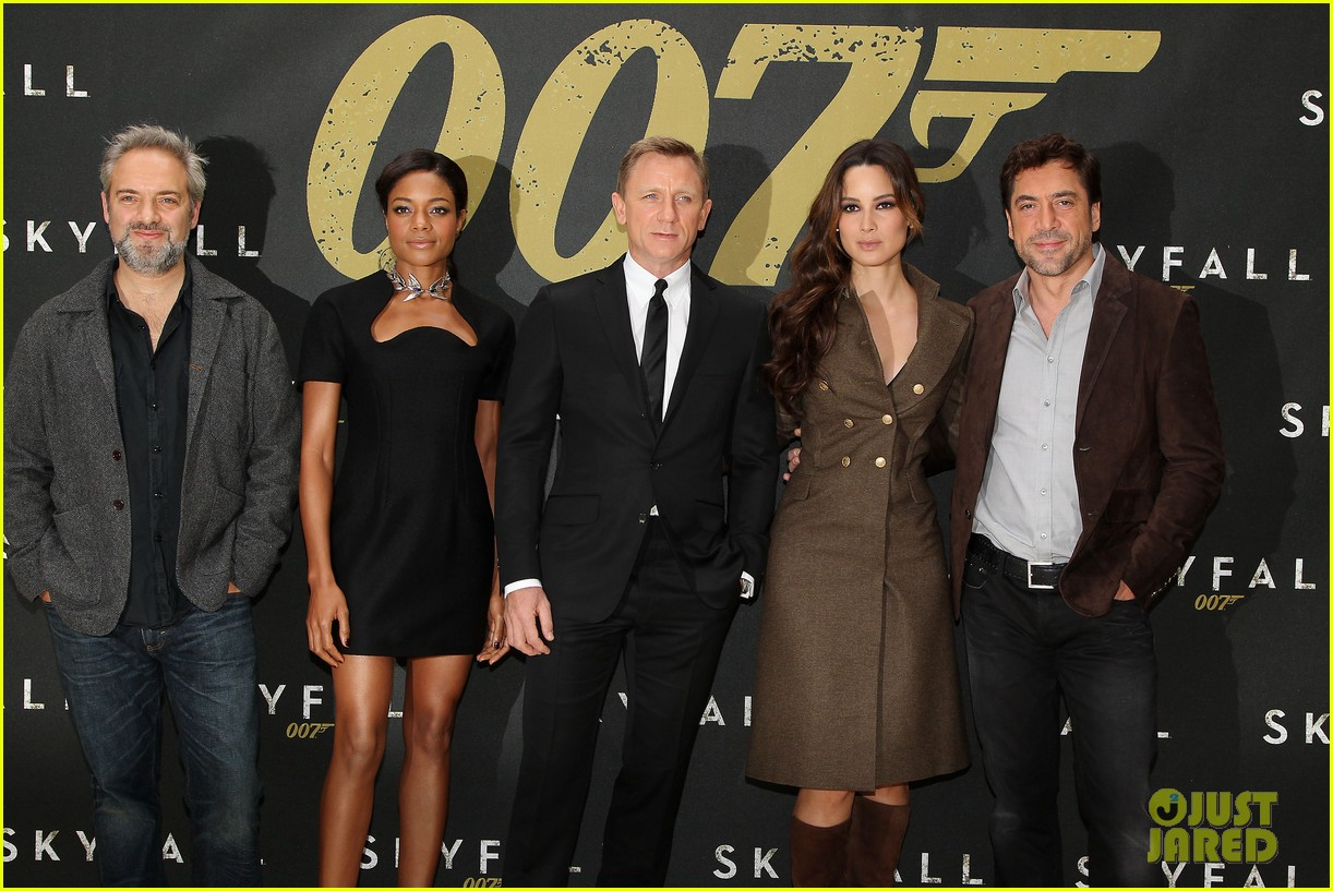 daniel craig skyfall photo call 08