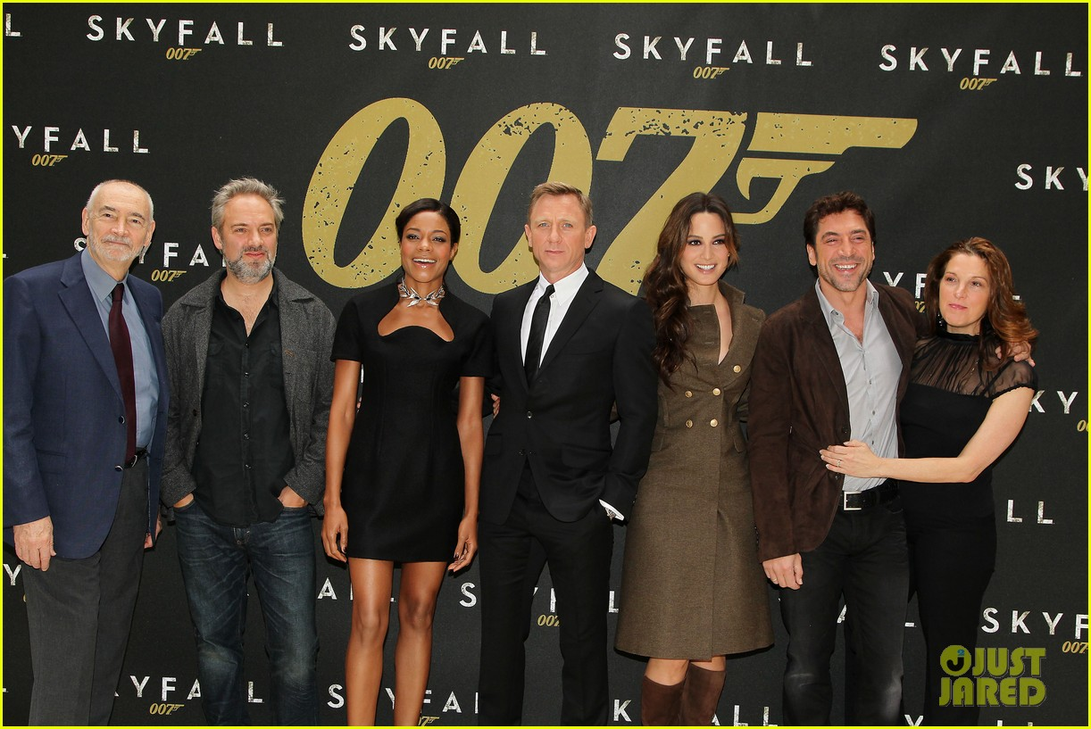 daniel craig skyfall photo call 102738560