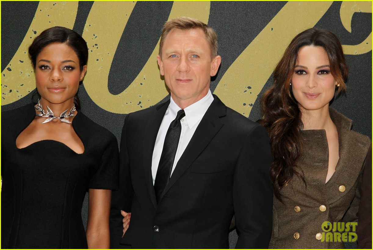 daniel craig skyfall photo call 142738564