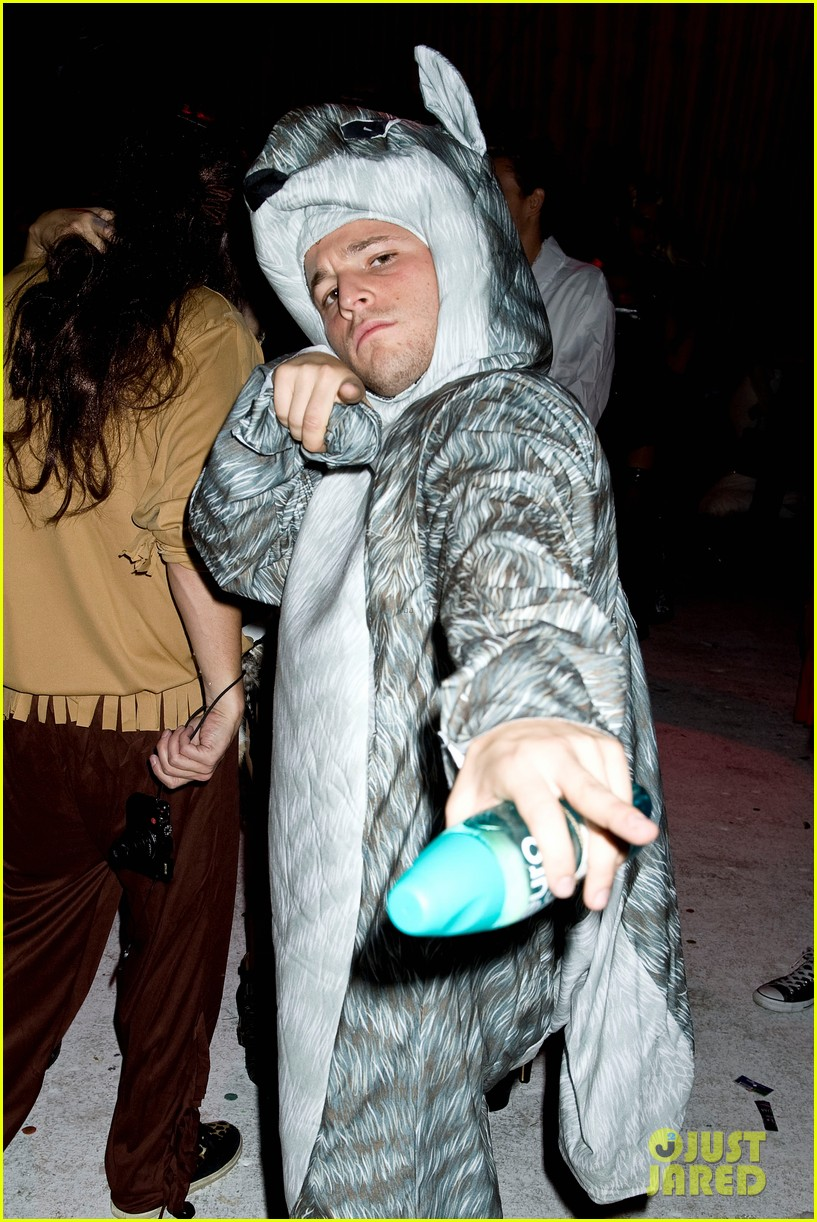 connor cruise just jared halloween party 2012 02