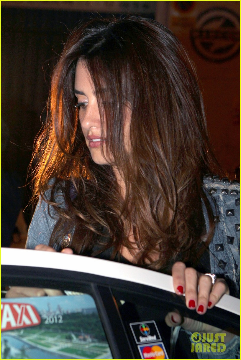 penelope cruz javier bardem dinner with monica and family 022735952