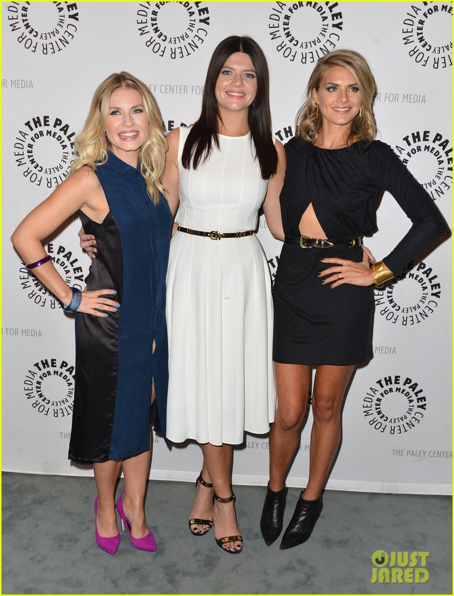 elisha cuthbert paleyfest with happy endings cast 012739672