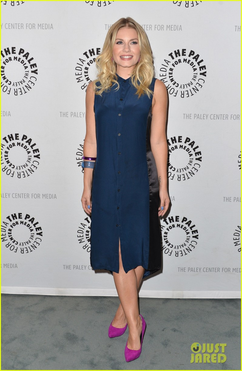elisha cuthbert paleyfest with happy endings cast 03