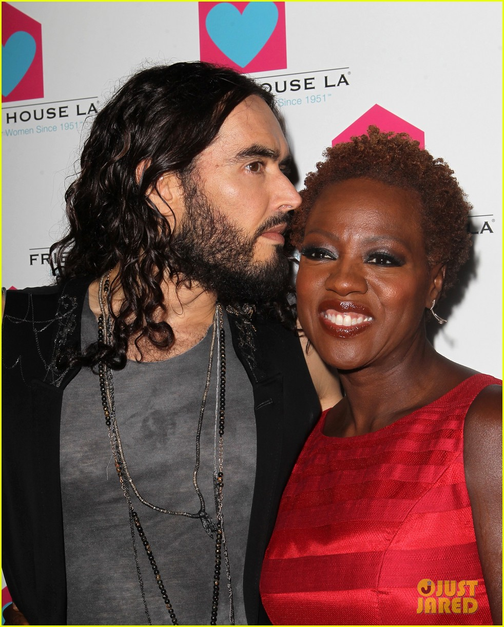 viola davis friendly house awards luncheon gala with russell brand 022746847