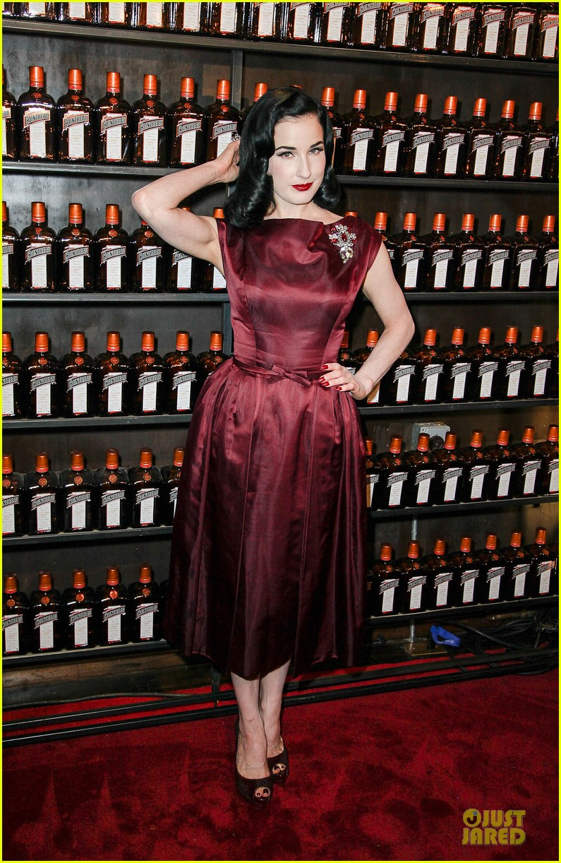 dita von teese cocktail debut in new york 012739606