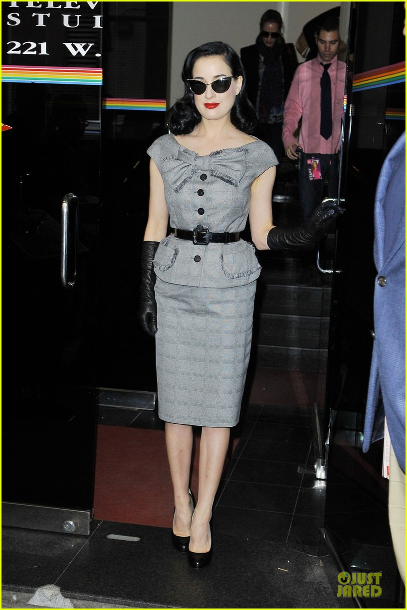 dita von teese cocktail debut in new york 22