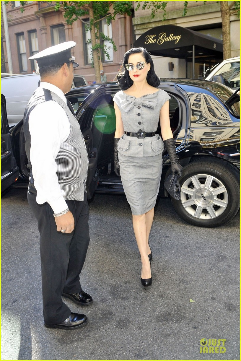 dita von teese cocktail debut in new york 26