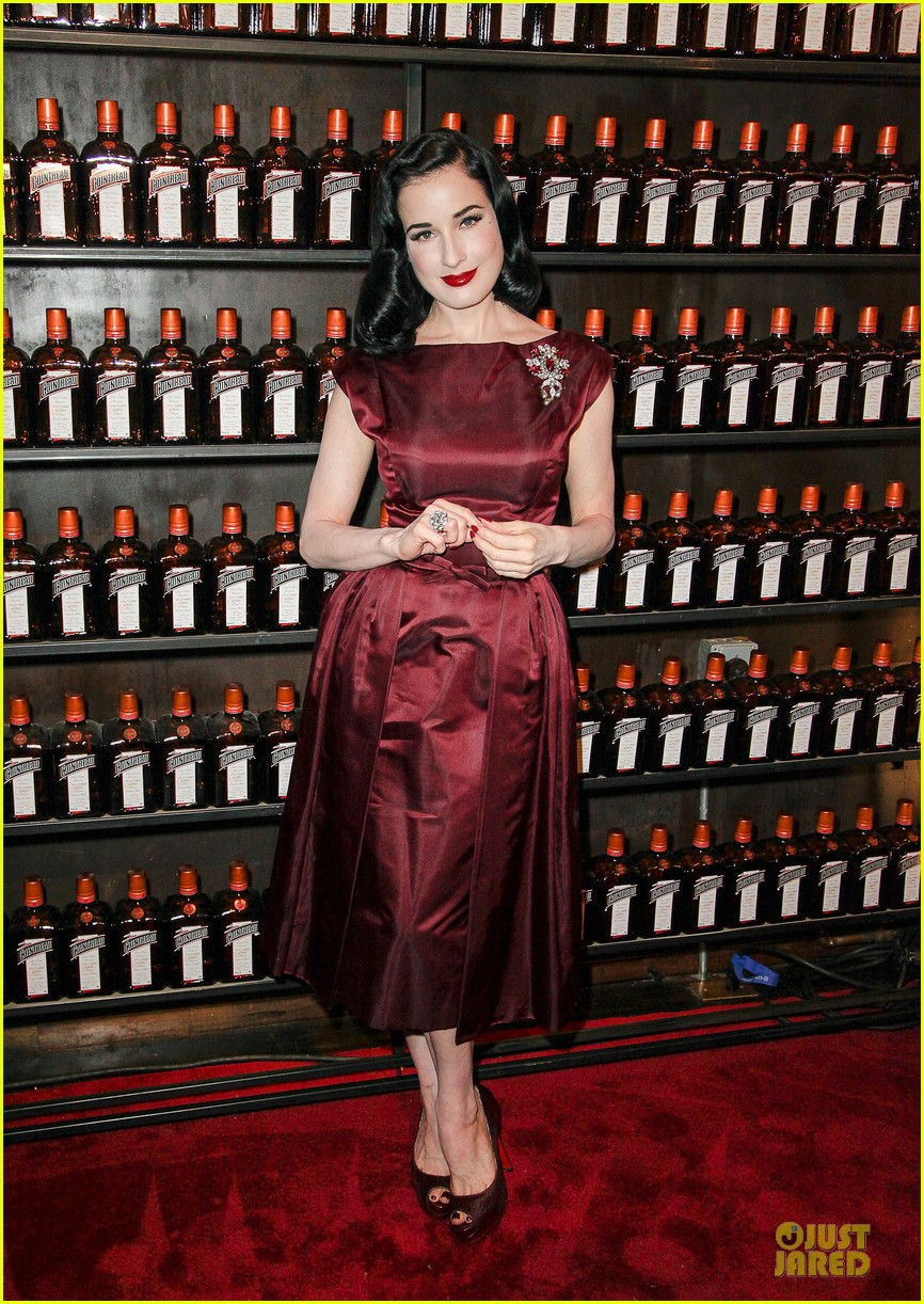 dita von teese cocktail debut in new york 29