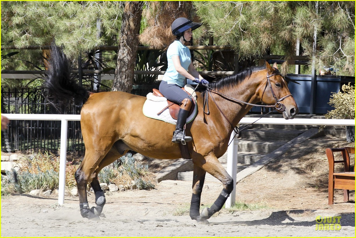 zooey deschanel horseback riding class 102741336