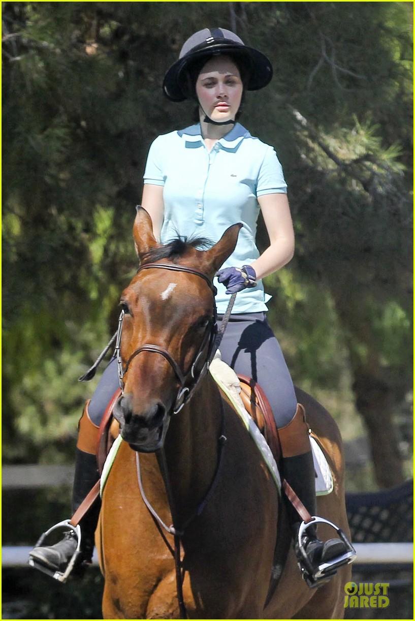 zooey deschanel horseback riding class 112741337