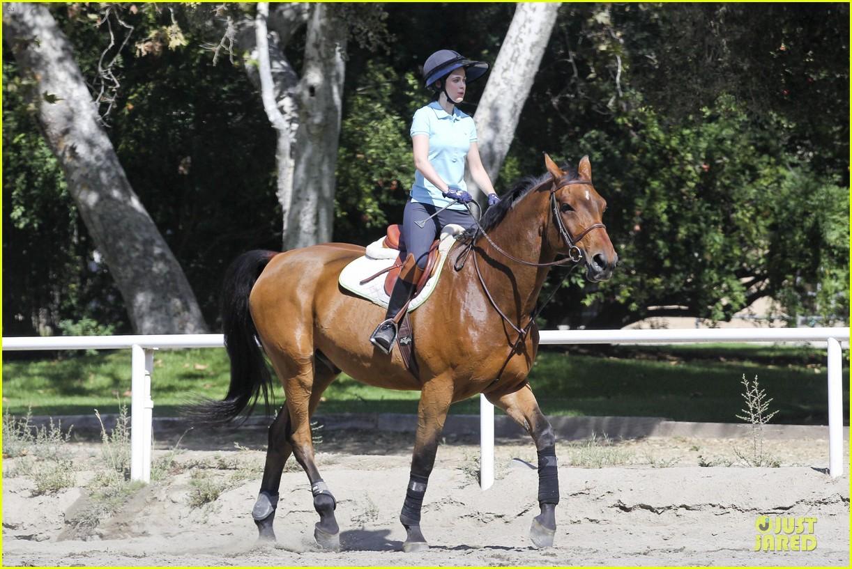 zooey deschanel horseback riding class 122741338