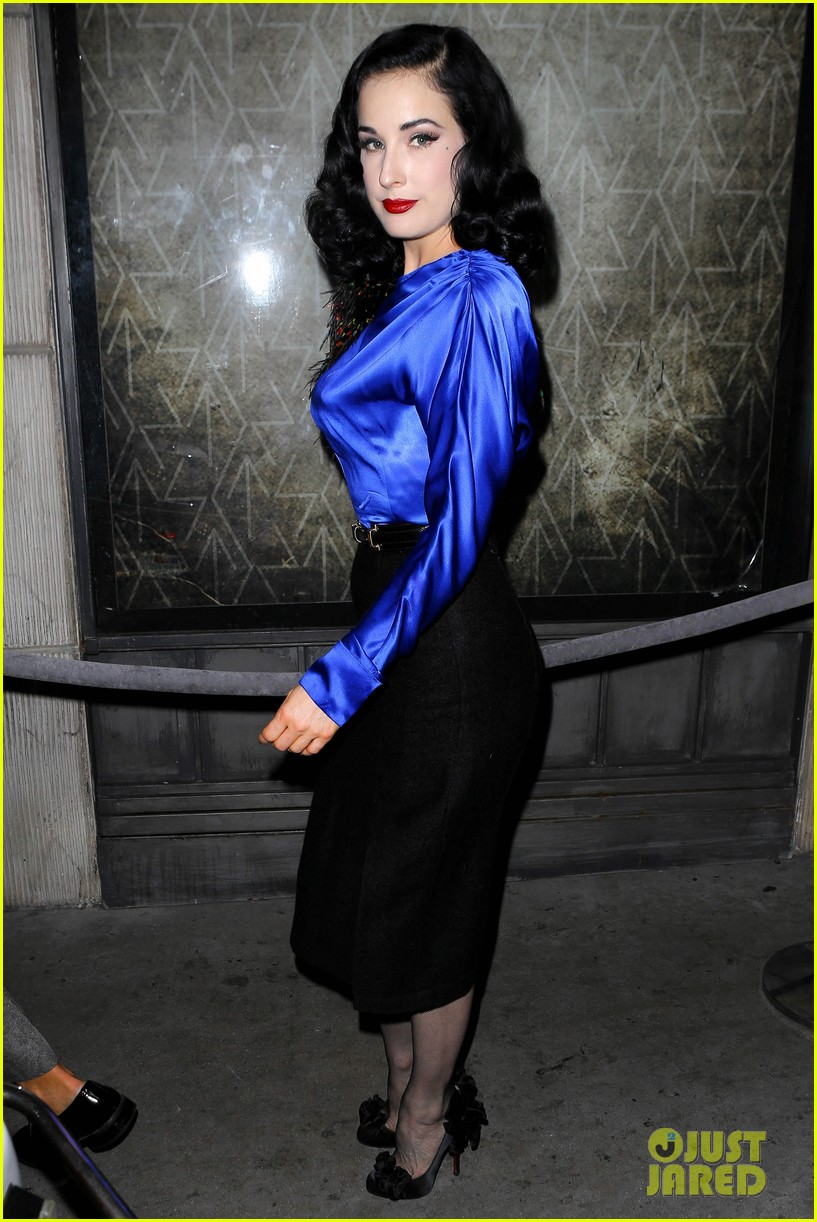 dita von teese prince sayers club performance 012744080