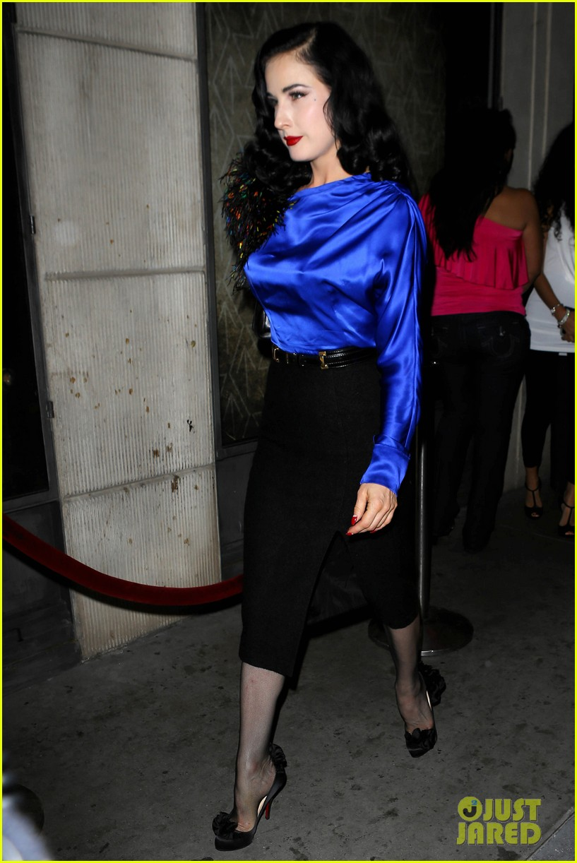 dita von teese prince sayers club performance 082744087