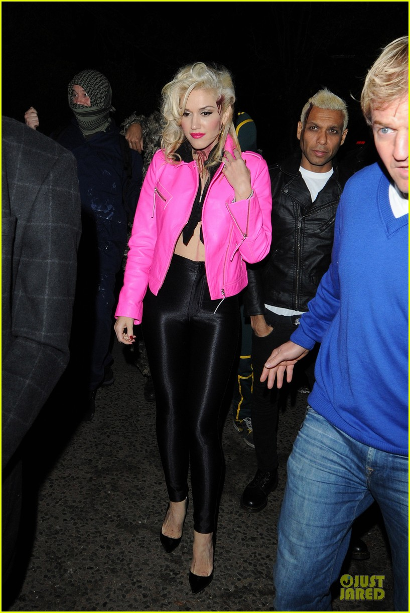 gwen stefani trick or threating with zuma 042749266