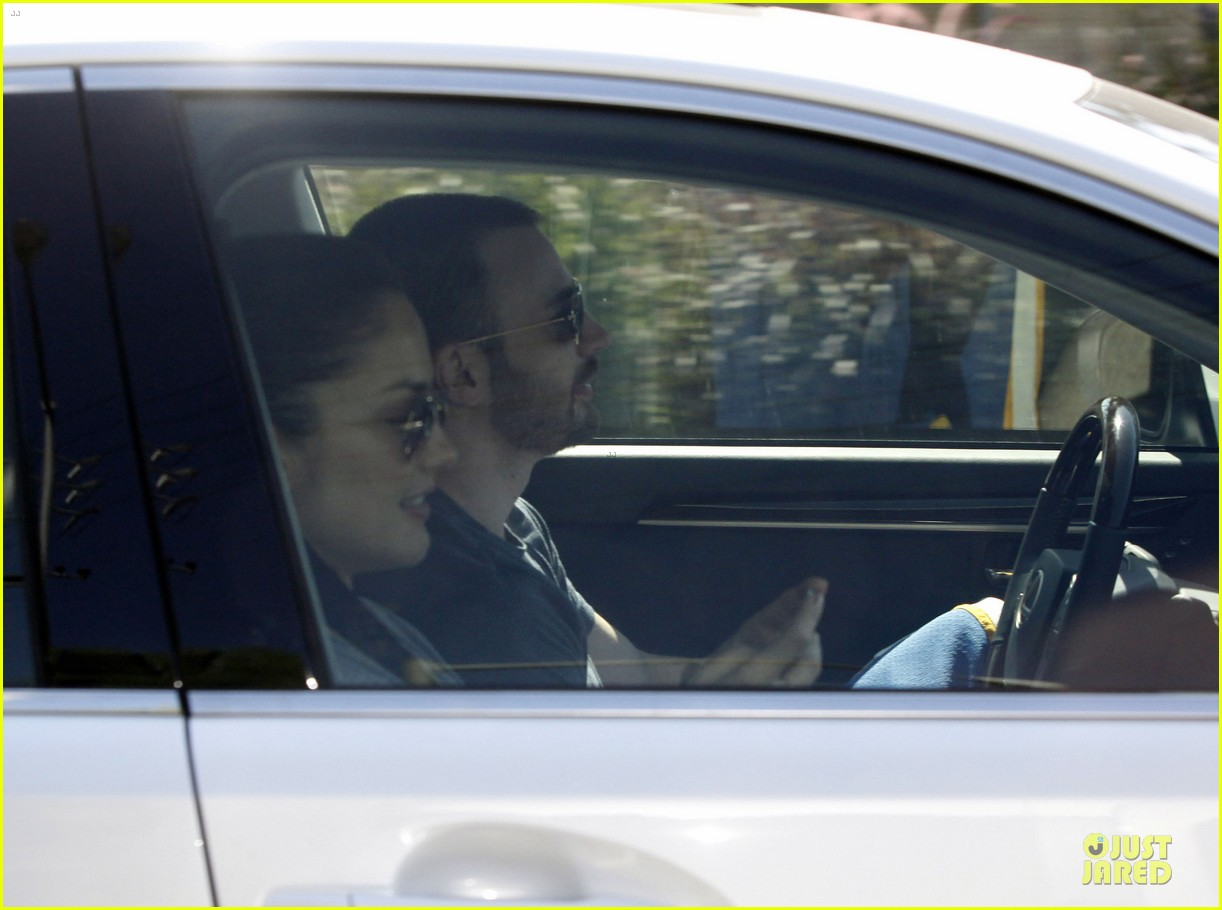 chris evans minka kelly drop off 022731984