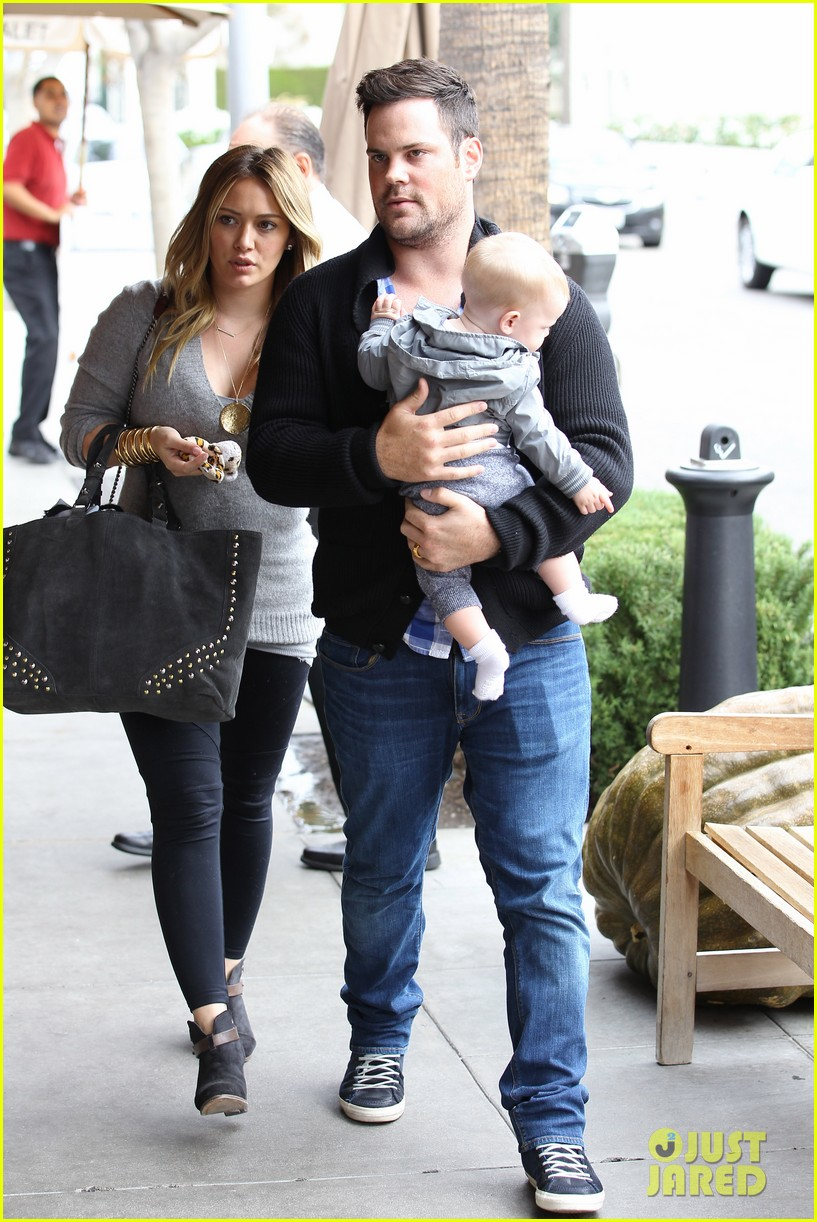 hilary duff happy seven month birthday luca 012742391