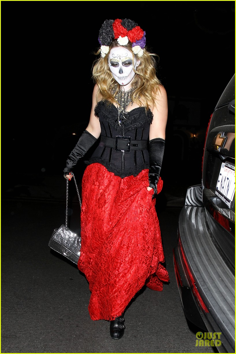 hilary duff & mike comrie: day of the dead halloween couple!: photo