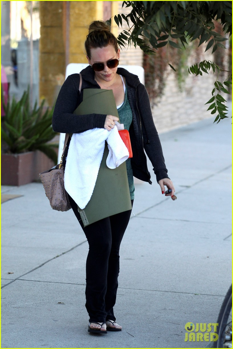 hilary duff mike comrie luca food shopping 102747023