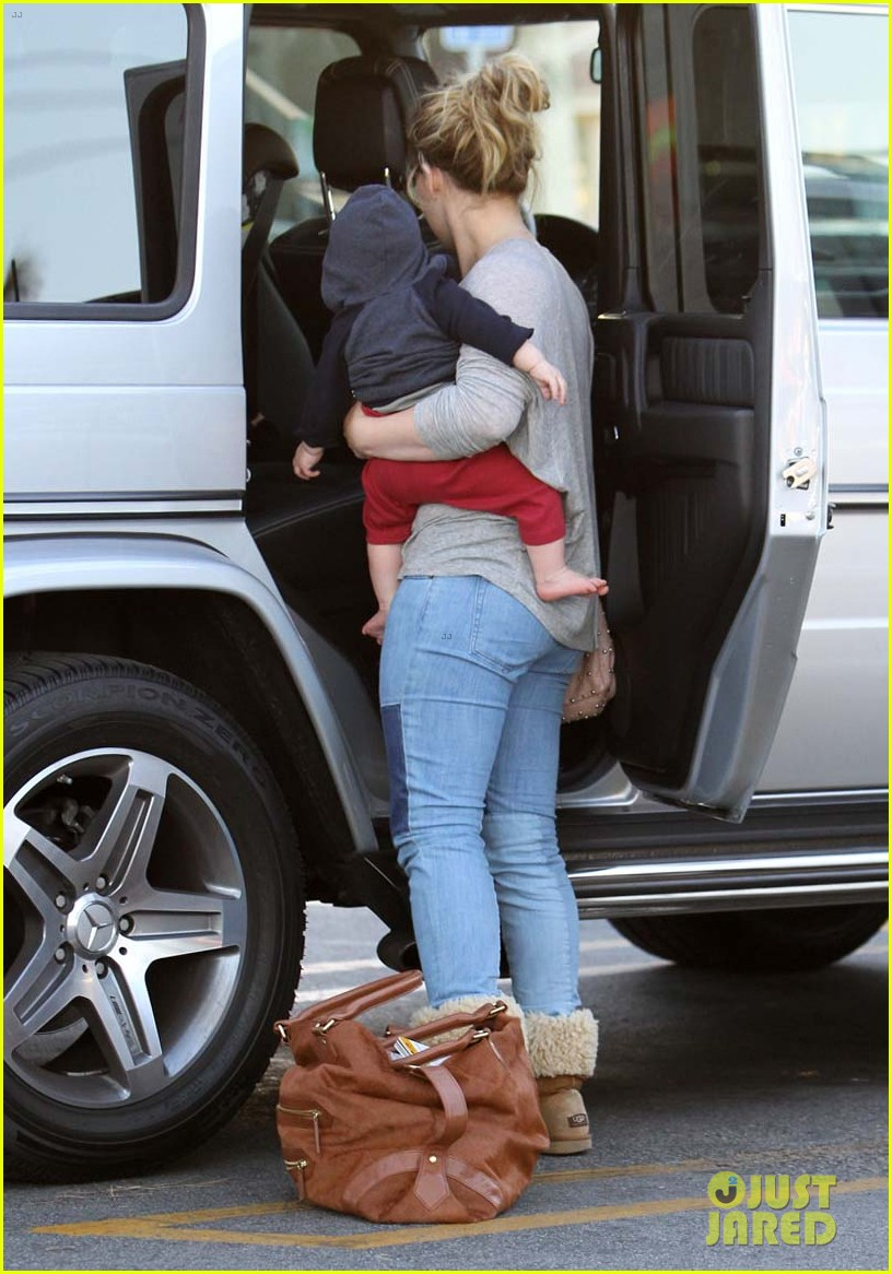 hilary duff mike comrie luca food shopping 172747030
