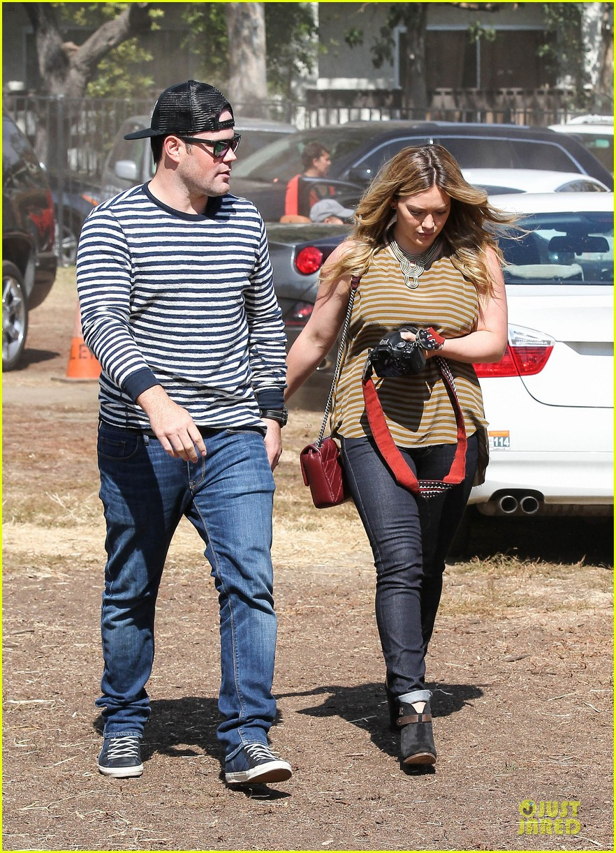 hilary duff mike comrie lucas first mr bones pumpkin patch 012738197