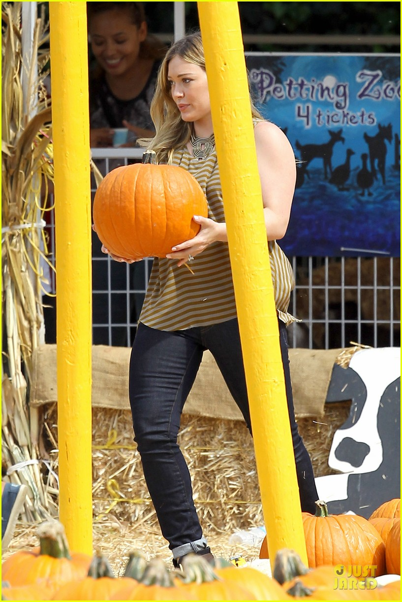 hilary duff mike comrie lucas first mr bones pumpkin patch 152738211
