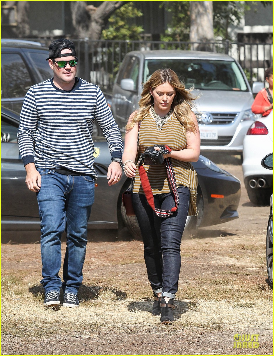 hilary duff mike comrie lucas first mr bones pumpkin patch 192738215