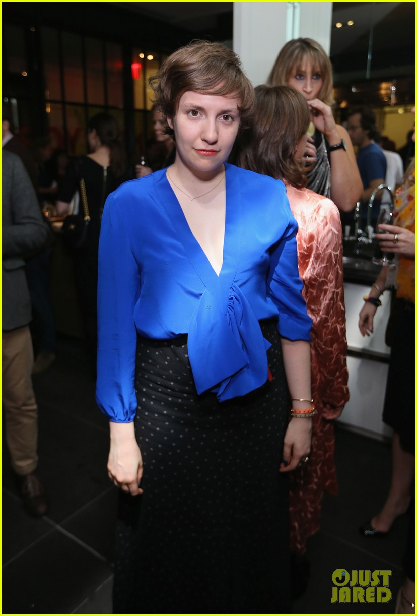 lena dunham sells book for 3 million 012734881