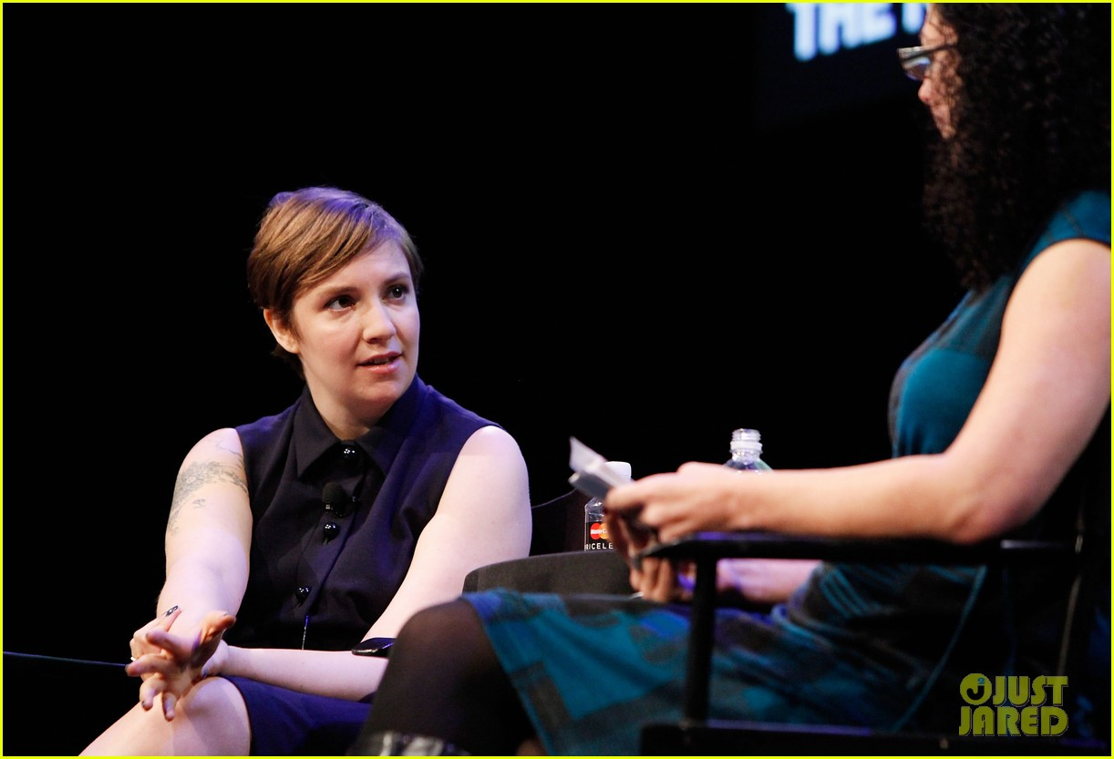 lena dunham sells book for 3 million 082734888