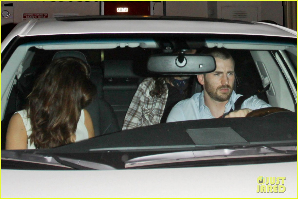 chris evans minka kelly new couple alert 012731661