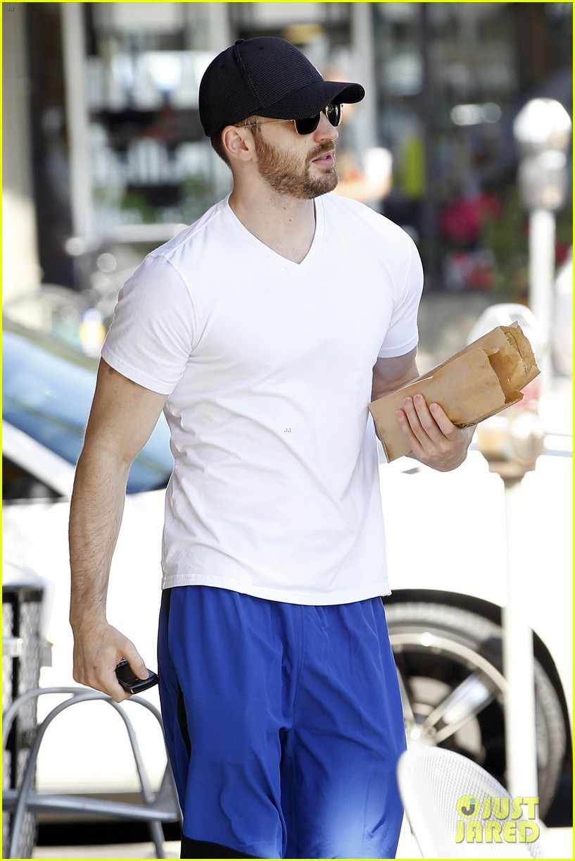 chris evans minka kelly separate lunch outings 192733111