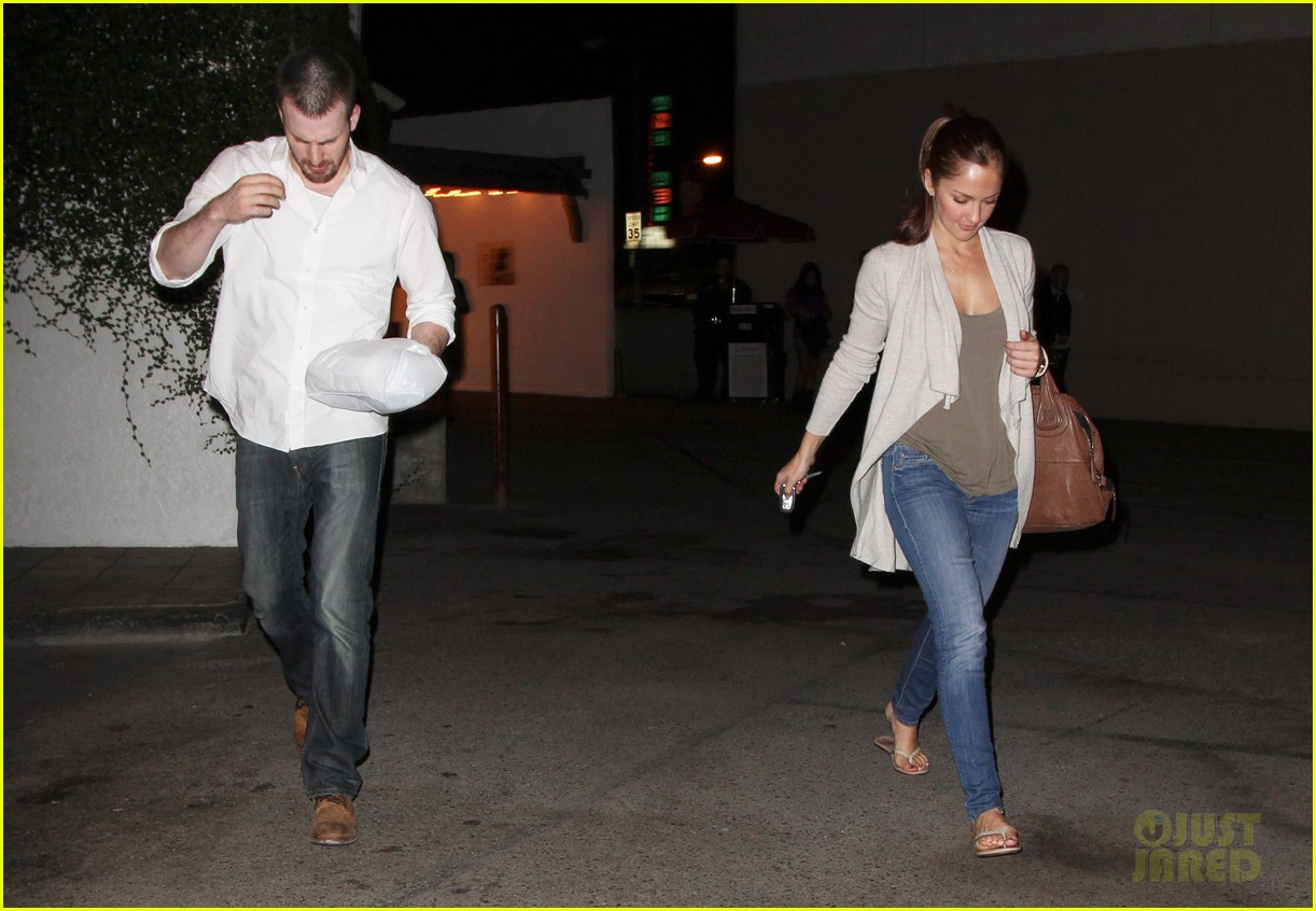 minka kelly chris evans casa vega dinner 012738579