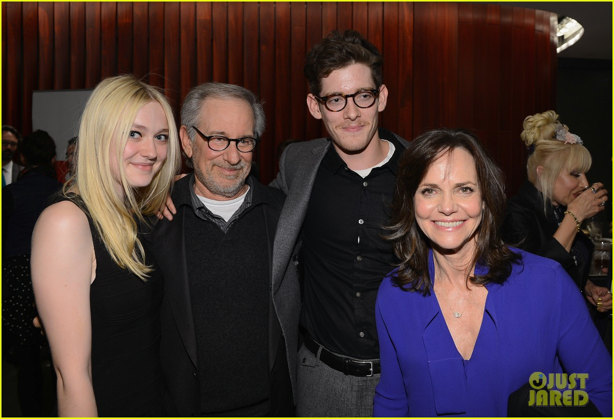 dakota fanning steven spielberg lincoln nyff screening 012735424