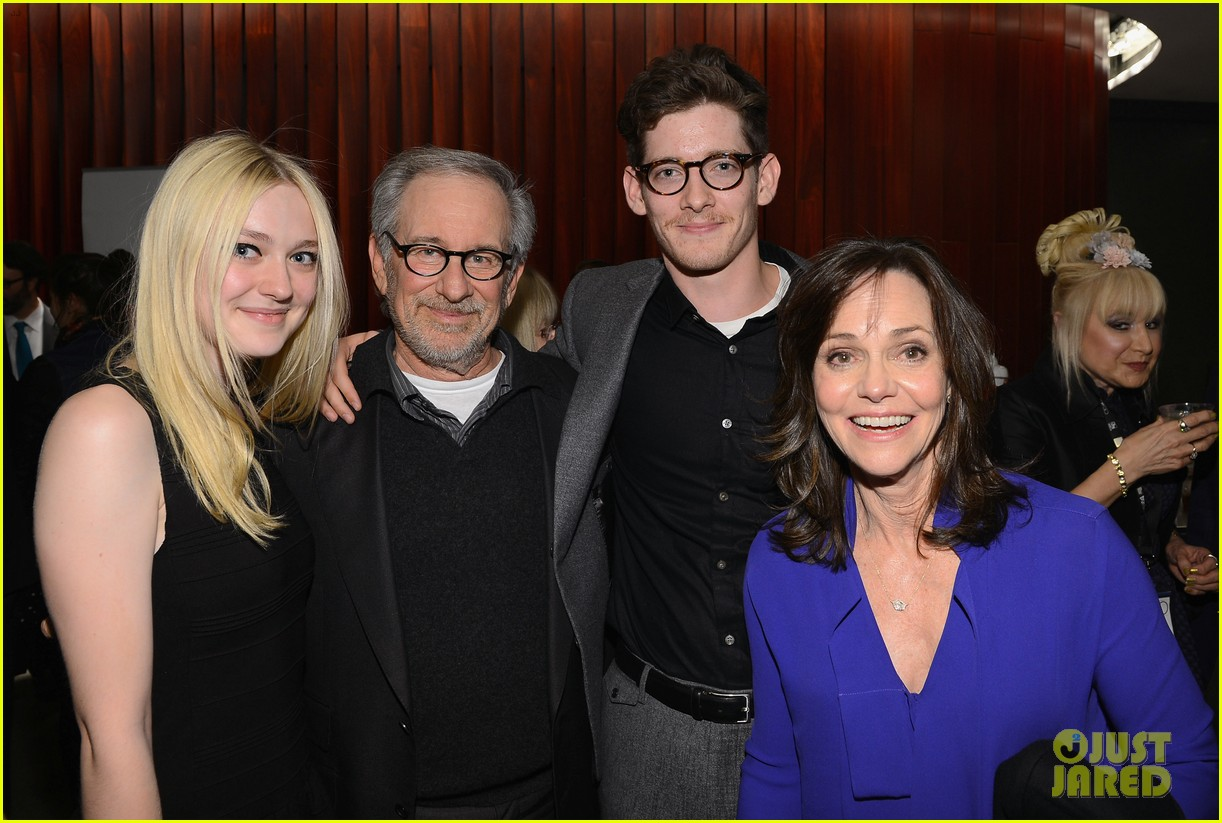 dakota fanning steven spielberg lincoln nyff screening 09