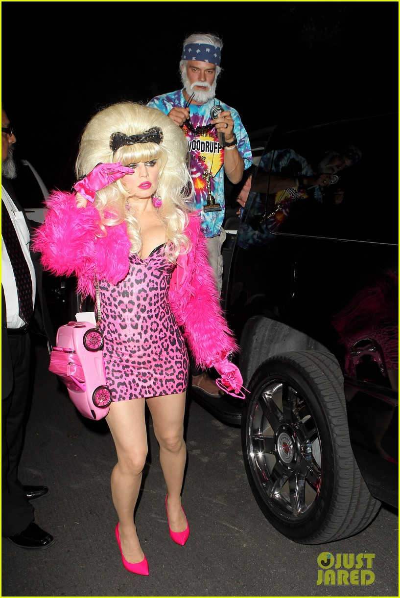 fergie angelyne halloween costume with josh duhamel 252746717