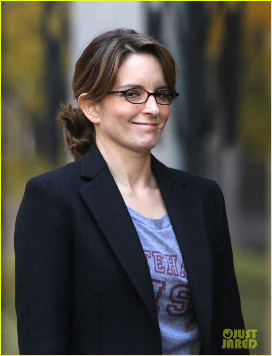 tina fey 30 rock set with jane krakowski 022743687
