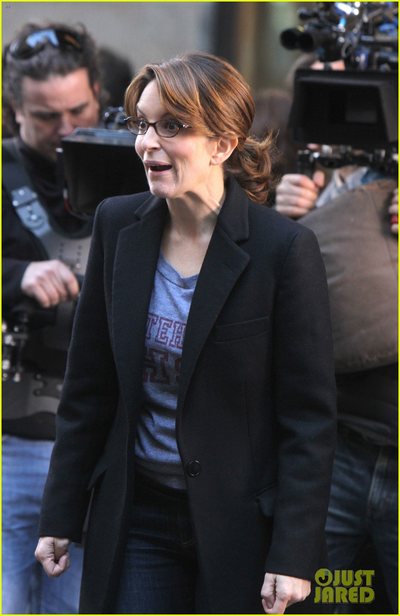 tina fey 30 rock set with jane krakowski 10