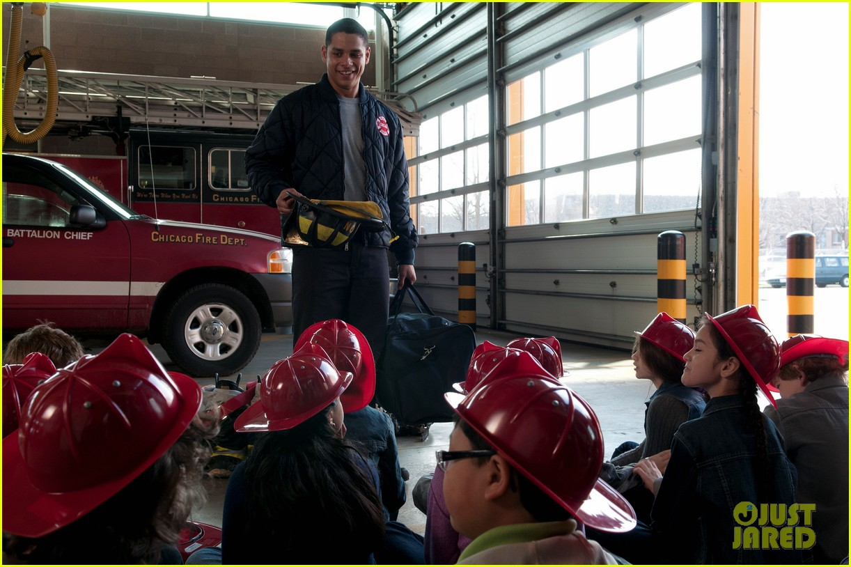 taylor kinney jesse spencer shirtless in chicago fire 082734302