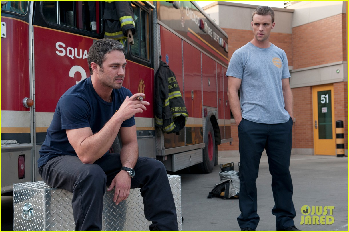 taylor kinney jesse spencer shirtless in chicago fire 112734305