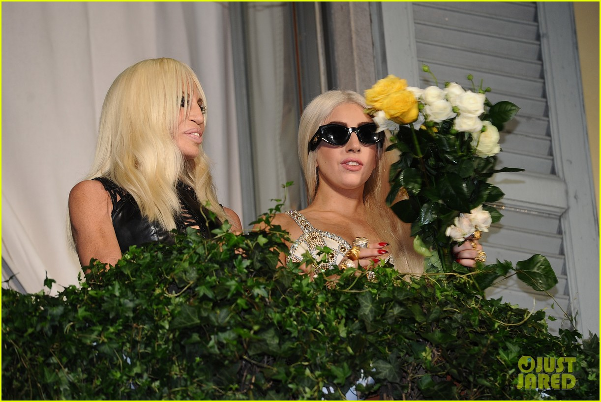 lady gaga donatella versace meet in milan 092731461