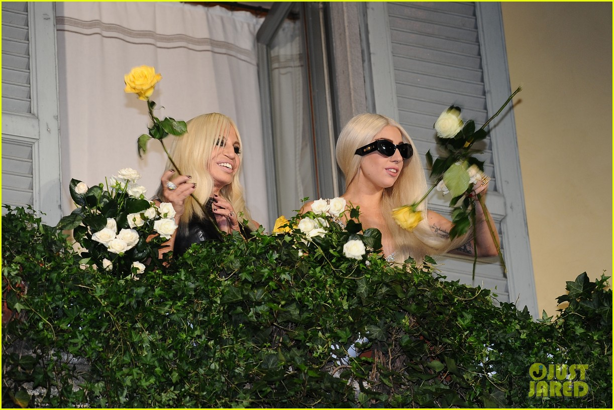 lady gaga donatella versace meet in milan 11