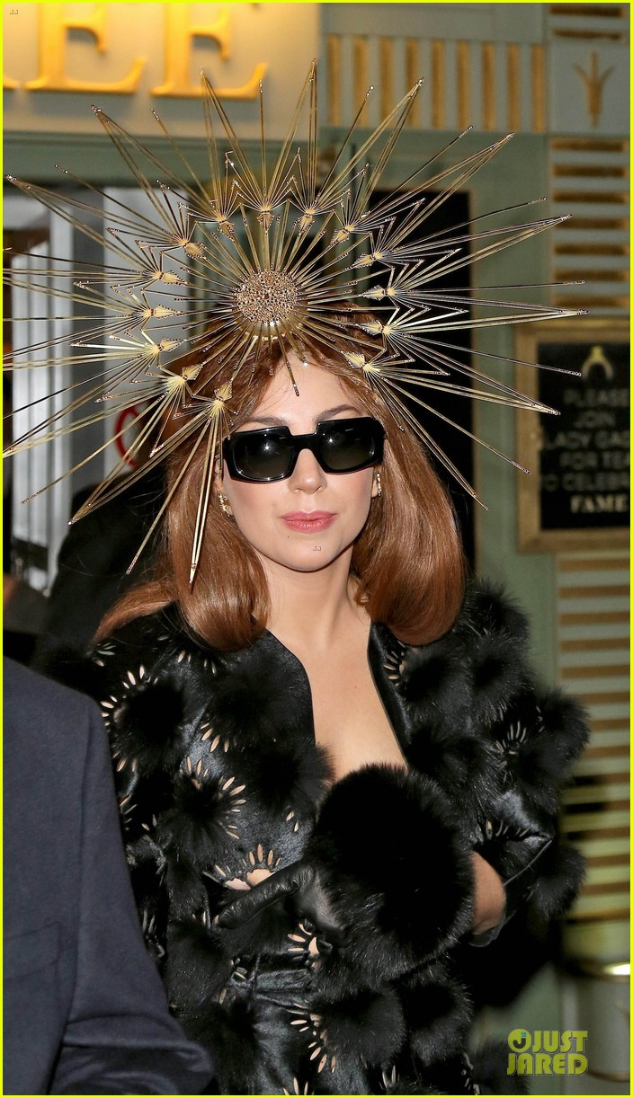 lady gaga loves seeing sunday strollers in love 042734749