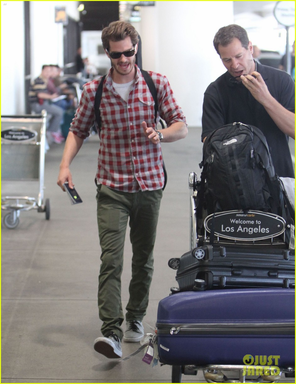 andrew garfield from london to lax 032731633