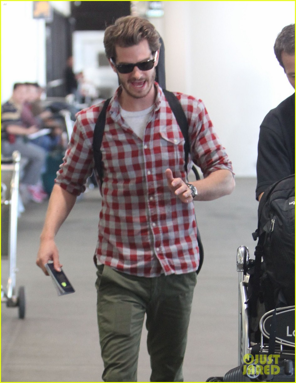 andrew garfield from london to lax 042731634