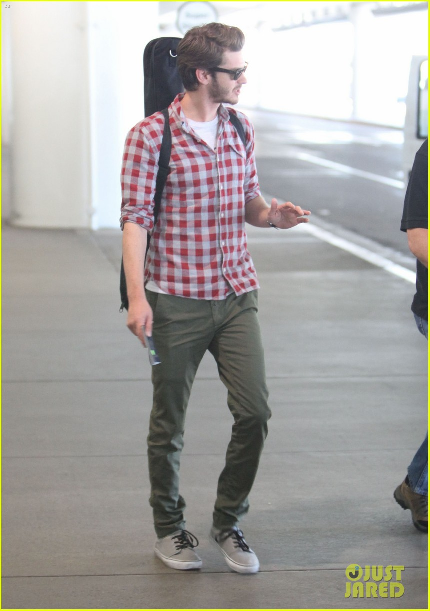 andrew garfield from london to lax 052731635